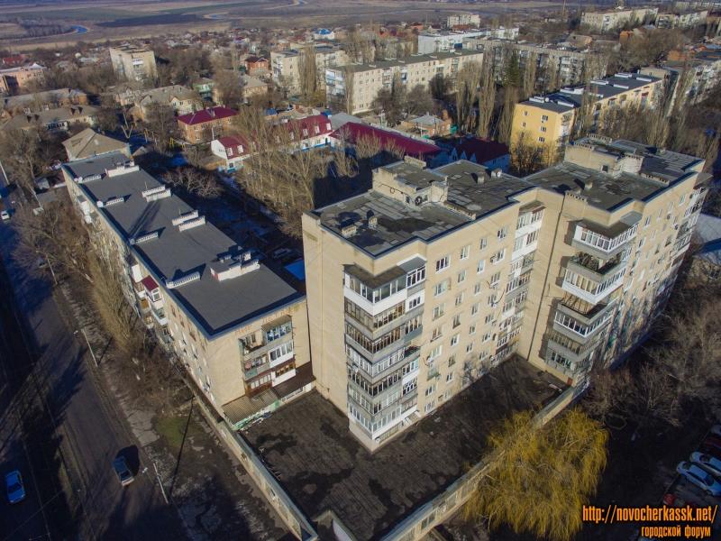 Дом на углу Народной и 26 Бакинских комиссаров