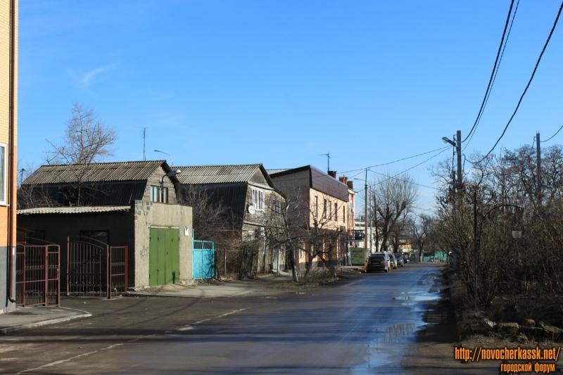 Вид улицы Энгельса от дома номер 6