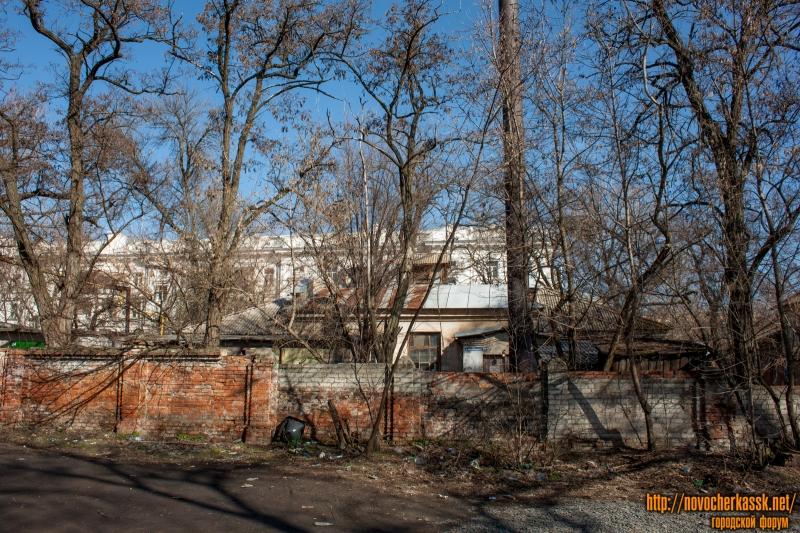 Улица Богдана Хмельницкого, 151. Вид с переулка Скрябина