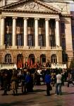 Демонстрация перед главный корпусом НПИ