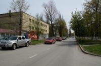 Проспект Ермака. Вид с улицы Школьной. Слева - кафе «Ермак» и бывшее ателье «Силуэт». Апрель 2013