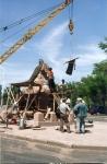 Монтаж восстановленного литья на памятнике Бакланову