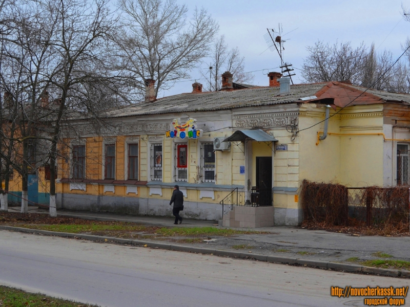 Жилой особняк  по пр-ту Ермака 115