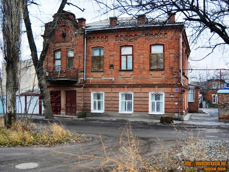 Дом по ул. Бакунина 61