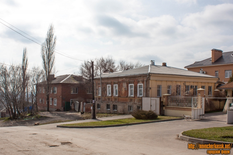 Спуск Степана Разина, 21/115, 25А
