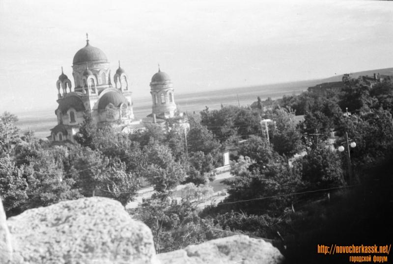 Вид на Александро-Невский храм с кургана