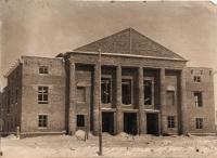 Строительство дома культуры на посёлке Октябрьском. 1954 год