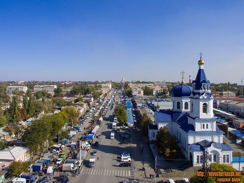 Платовский проспект и Михайловский храм