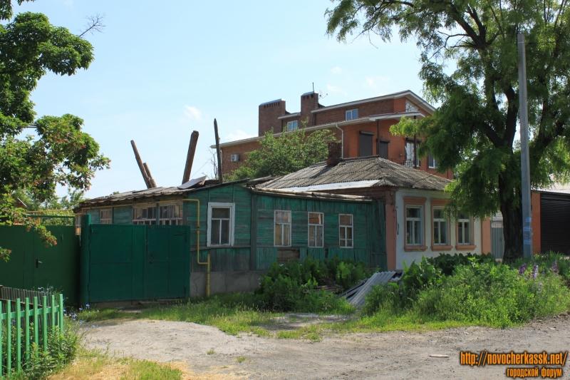 Улица Октябрьская, 212, 214