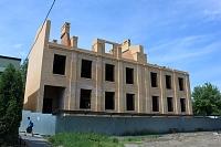 Строительство художественной мастерской на углу Фрунзе и Школьного переулка