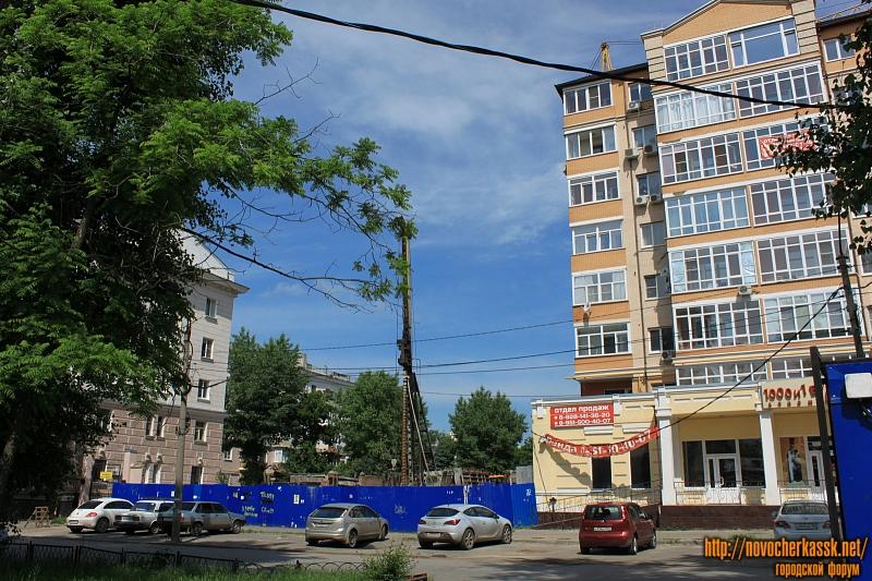 Строительство на улице Просвещения, 108