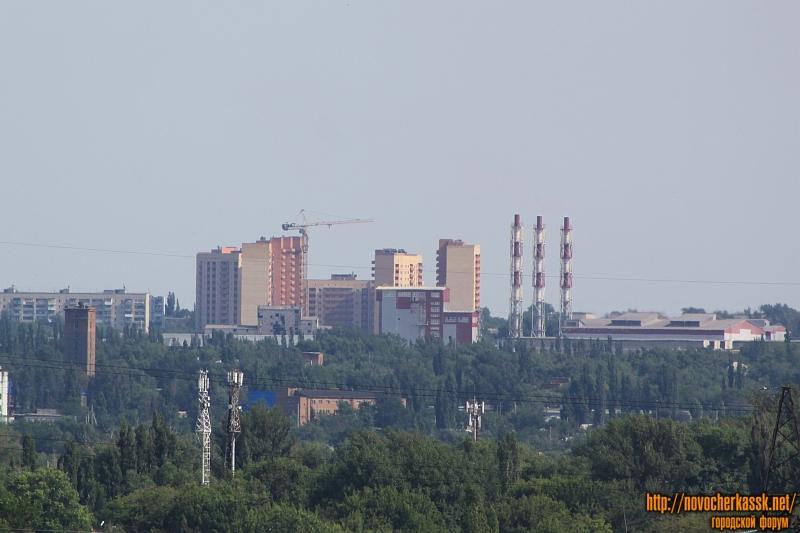 Строительство домов для военных на Октябрьском. Впереди - газотурбинная ТЭЦ