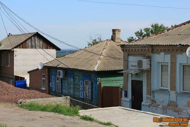 Улица Никольского, 68, 70