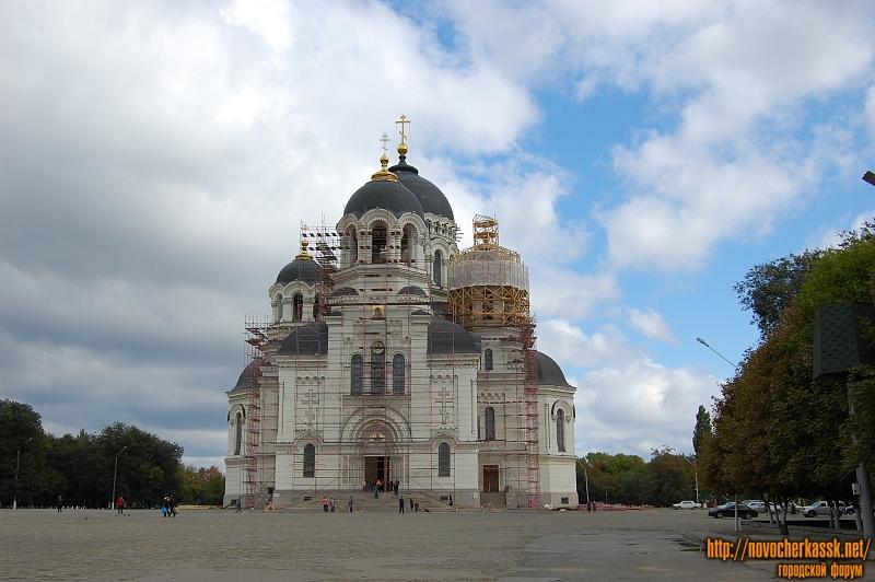 Золочение куполов собора