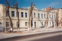 Улица Маяковского, 60. Бывшие торговые склады у Сенного базара