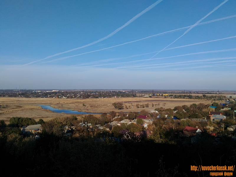 Вид на пойму реки Тузлов с улицы Ленгника