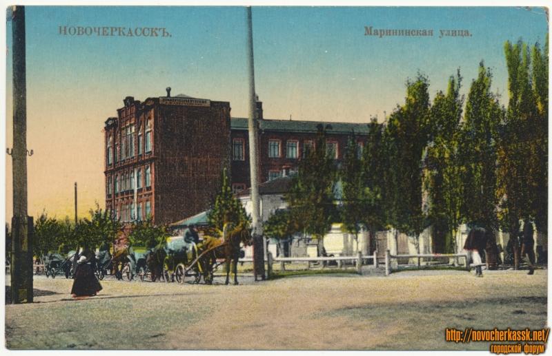 «Мариинская улица» (улица Дубовского). На фото - коммерческое училище Абраменкова