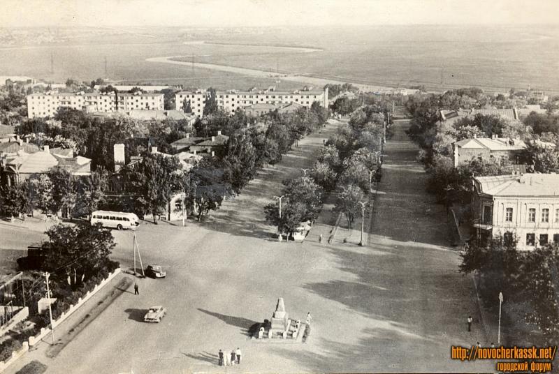 Вид с собора на Красный спуск
