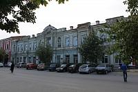 Здание военного госпиталя на Платовском