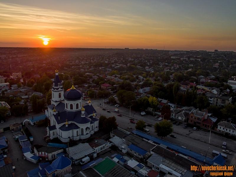 Закат над Азовским рынком