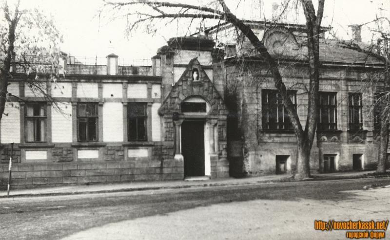 Улица Дубовского, 8. «Дом с совой»