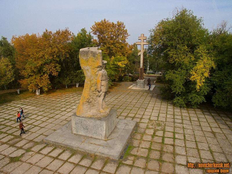 Комплекс памятников на площади Троицкой