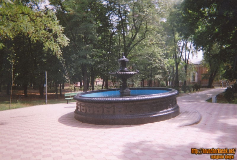Фонтан в Александровском парке. Создан в 1865 году, при создании городского водопровода