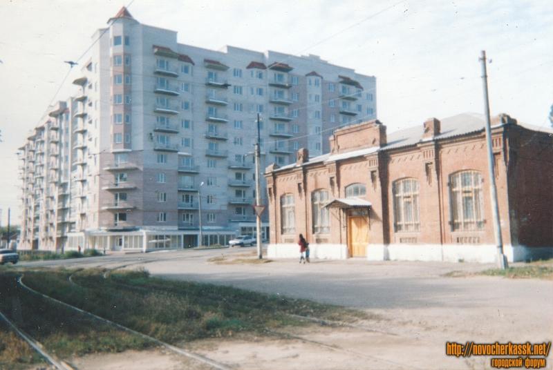 ЖК «Олимп» и воскресная школа на углу Первомайской и Троицкой