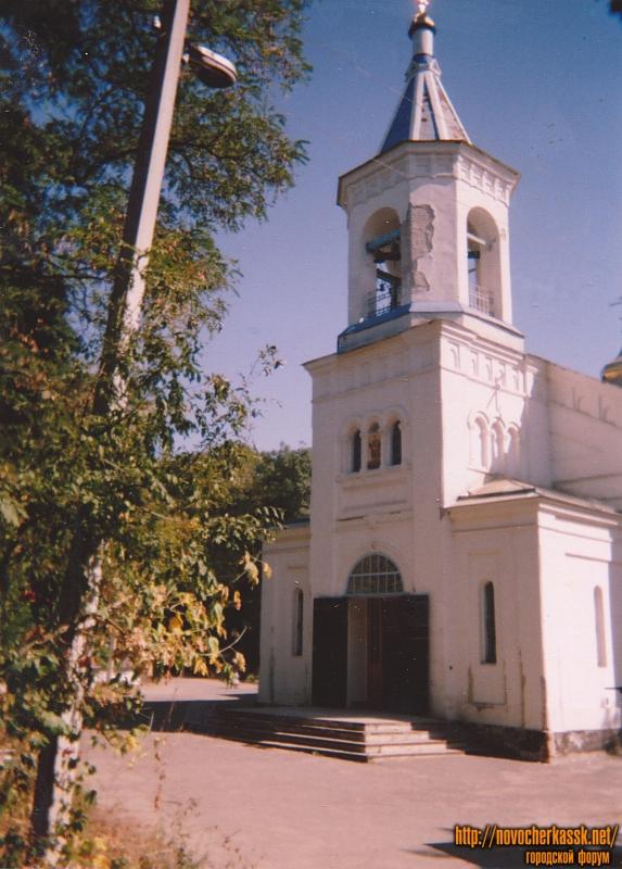 Церковь Дмитрия Солунского. Старое городское кладбище. Построена в 1861 году. Архитектор И. О. Вальпреде