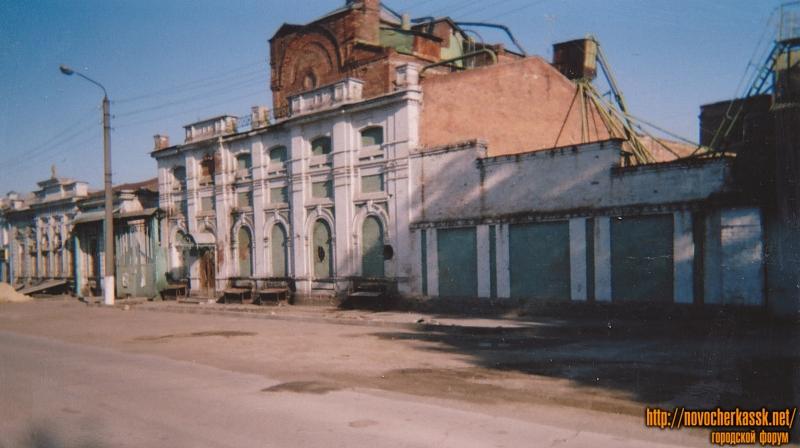 Улица Фрунзе, 100. Пивоваренный завод, построен Базенерами в 1904 г.