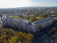 Улица Московская, 69. Дом с аркой на площади Троицкой