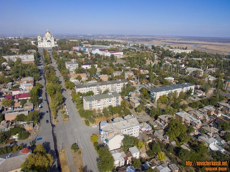 Жилые кварталы между Красным спуском и проспектом Ермака