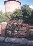 Октябрьский. Бывшая водонапорная башня на въезде в город