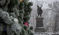 Памятник Платову в канун Новогодних праздников