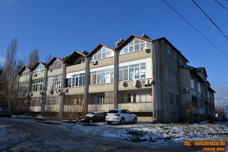 Проспект Платовский, 35. Вид с переулка Комсомольского