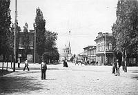 Пересечение Московской и Горбатой. Вдали - Николаевская церковь