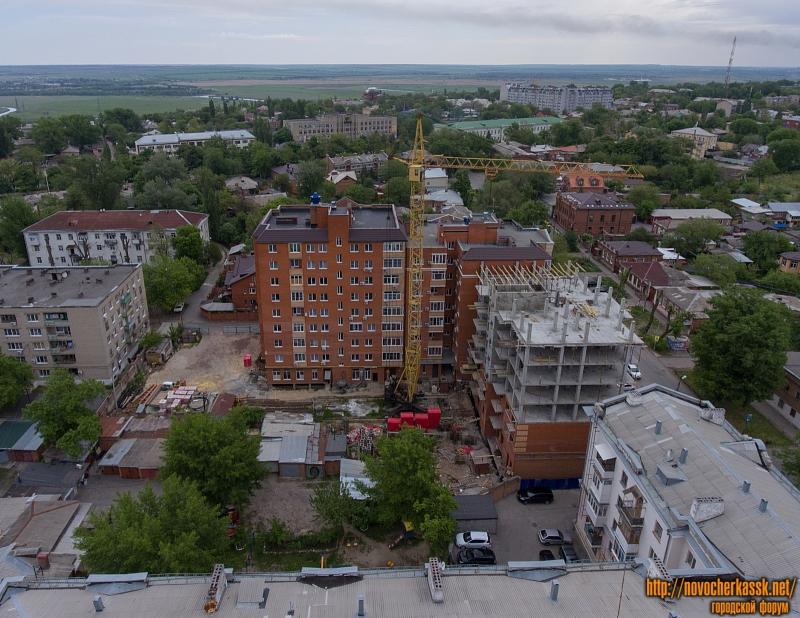 Строительство на улице Просвещения между Московской и Ермака