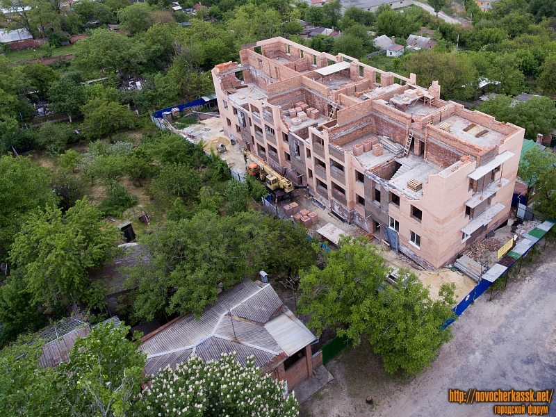 Строительство по улице Александровской, 185