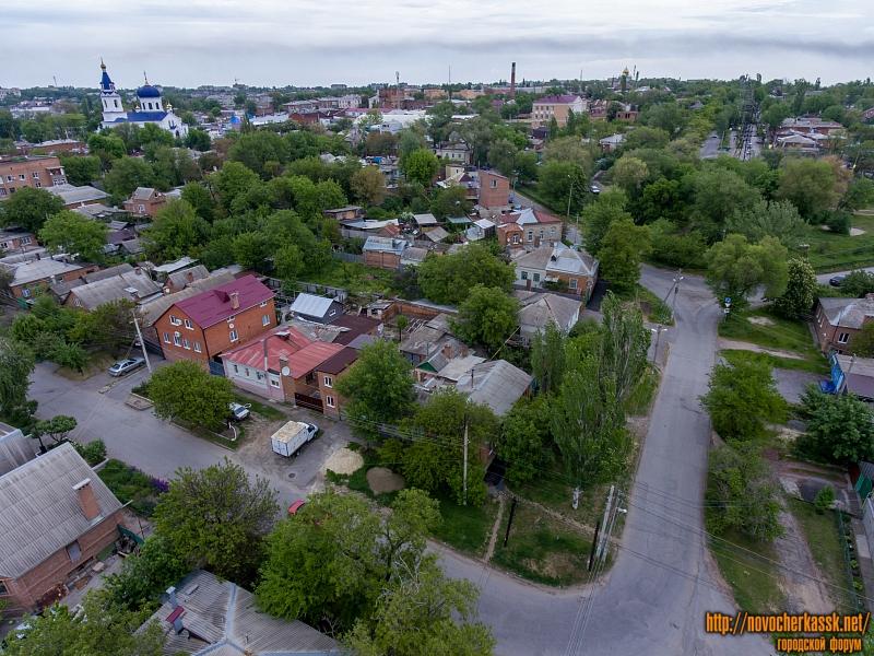 Пересечение Кирпичной улицы и Александровской