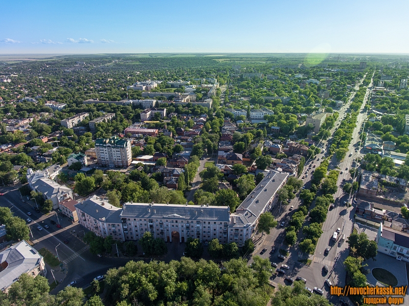 Дом на площади Троицкой, проспект Баклановский, улица Троицкая