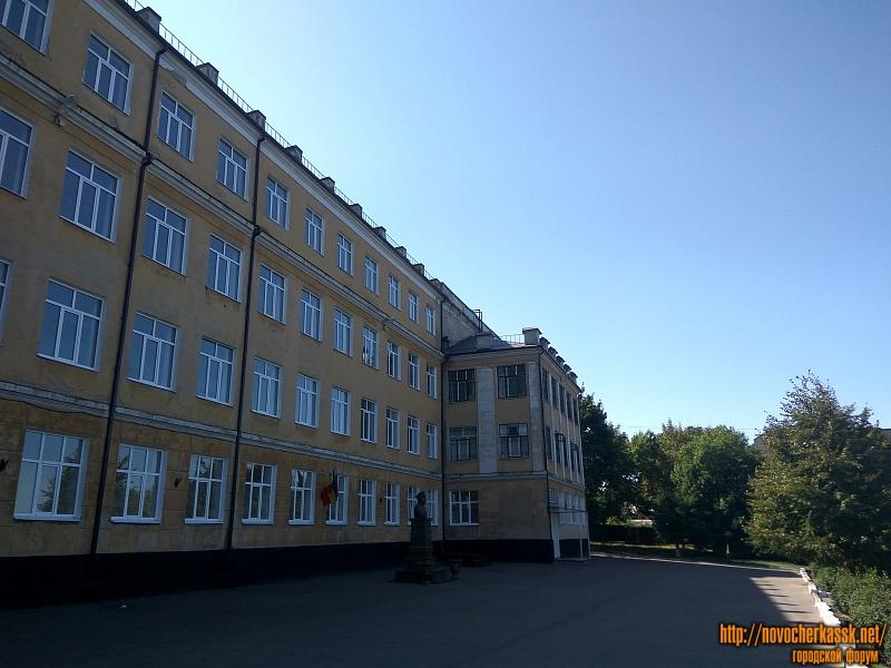 Двор школы №19