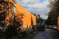 Подготовка к укладке плитки возле ТЦ «Батон» на улице Ященко