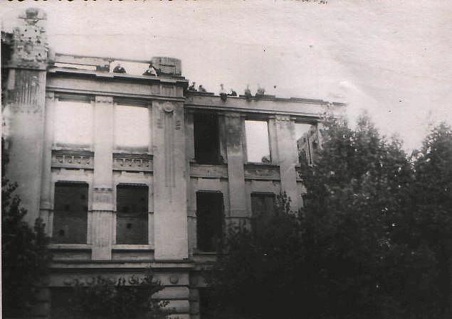 Сгоревший театр. 1950-е.