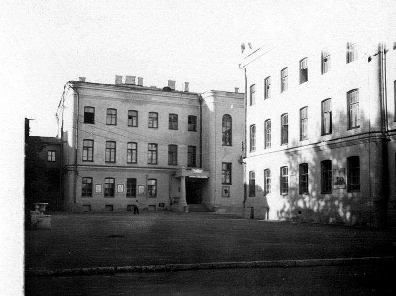 Новочеркасское военное суворовское училище. Учебный корпус