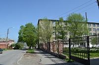 Вид улицы Островского. Справа - общежитие