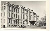 Театр на углу Советской (Атаманской) и Платовского