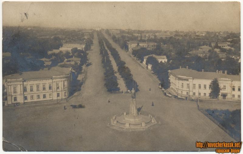 «Ермакозский проспект». Вид с собора на памятник Ермаку и проспект Ермака. В названии открытки имеется опечатка