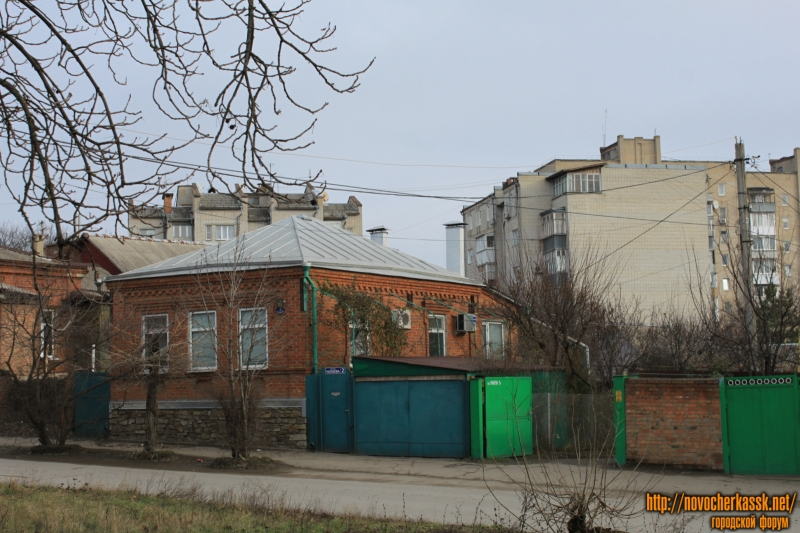 Площадь Чапаева, 2