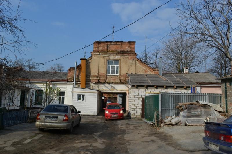 Двор улицы Московской, 63