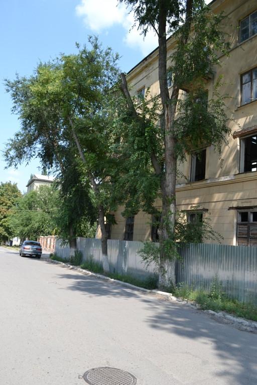 Проспект Баклановский, 8 / ул. Островского, 2
